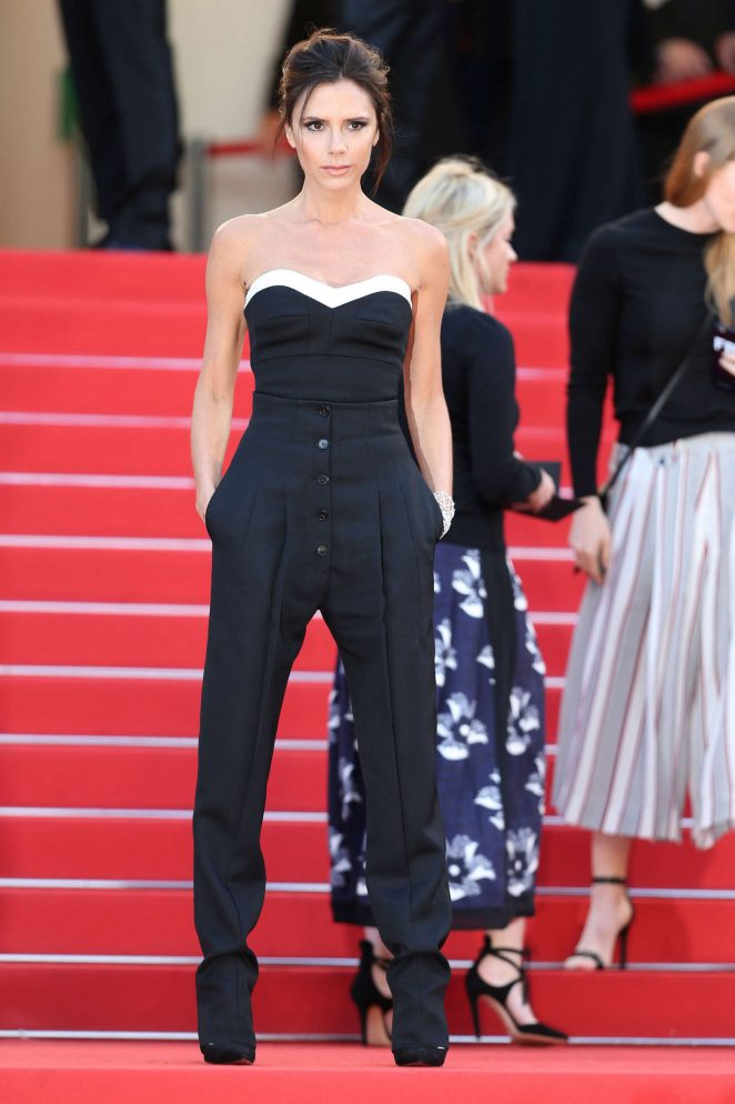 Victoria-Beckham-Cannes-blog-little-python-bag